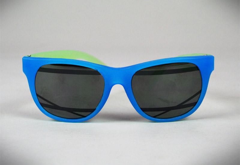 Sluneční brýle Alexandra Cassaniti / sluneční brýle pro 2008 (http://www.stylehunter.cz)
