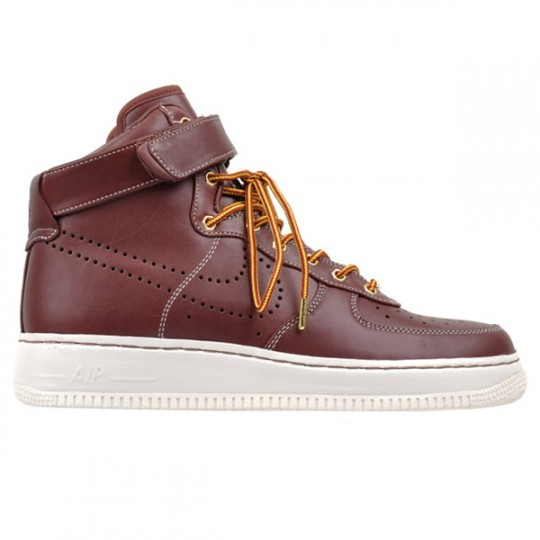 Nike Jaro 2010 Air Force 1 High QS Hiker (http://www.stylehunter.cz)