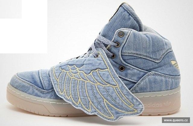adidas Originals. Jeremy Scott útočí na obchod Queens.cz ! e527b2a6a08