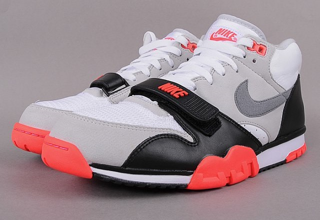 Nová edice Nike Sportswear na Queens.cz 18bf43bcd7