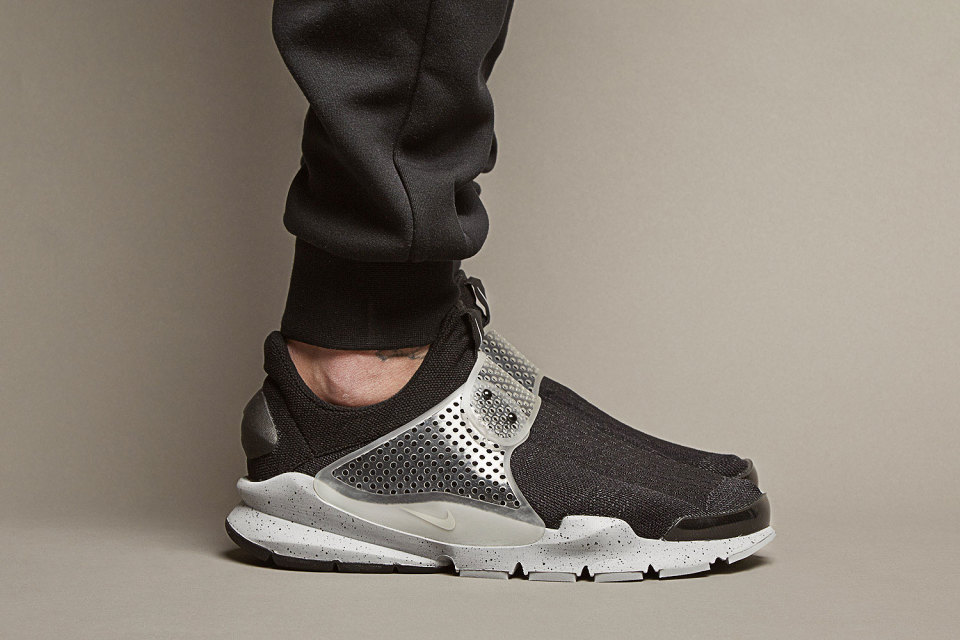 fragment design x Nike Sock Dart SP / Colorways s názvem Oreo
