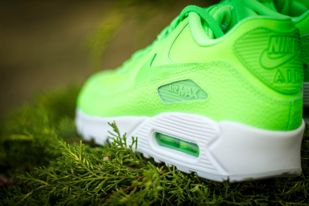 SneakerNews: Nike Air Max 90 Leather Voltage Green (http://www.stylehunter.cz)
