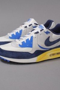 http://www.queens.cz/wear/35574/145/nike-air-max-light-vntg-qs/