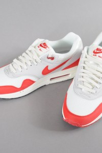 http://www.queens.cz/wear/36796/2/nike-air-max-1-og/